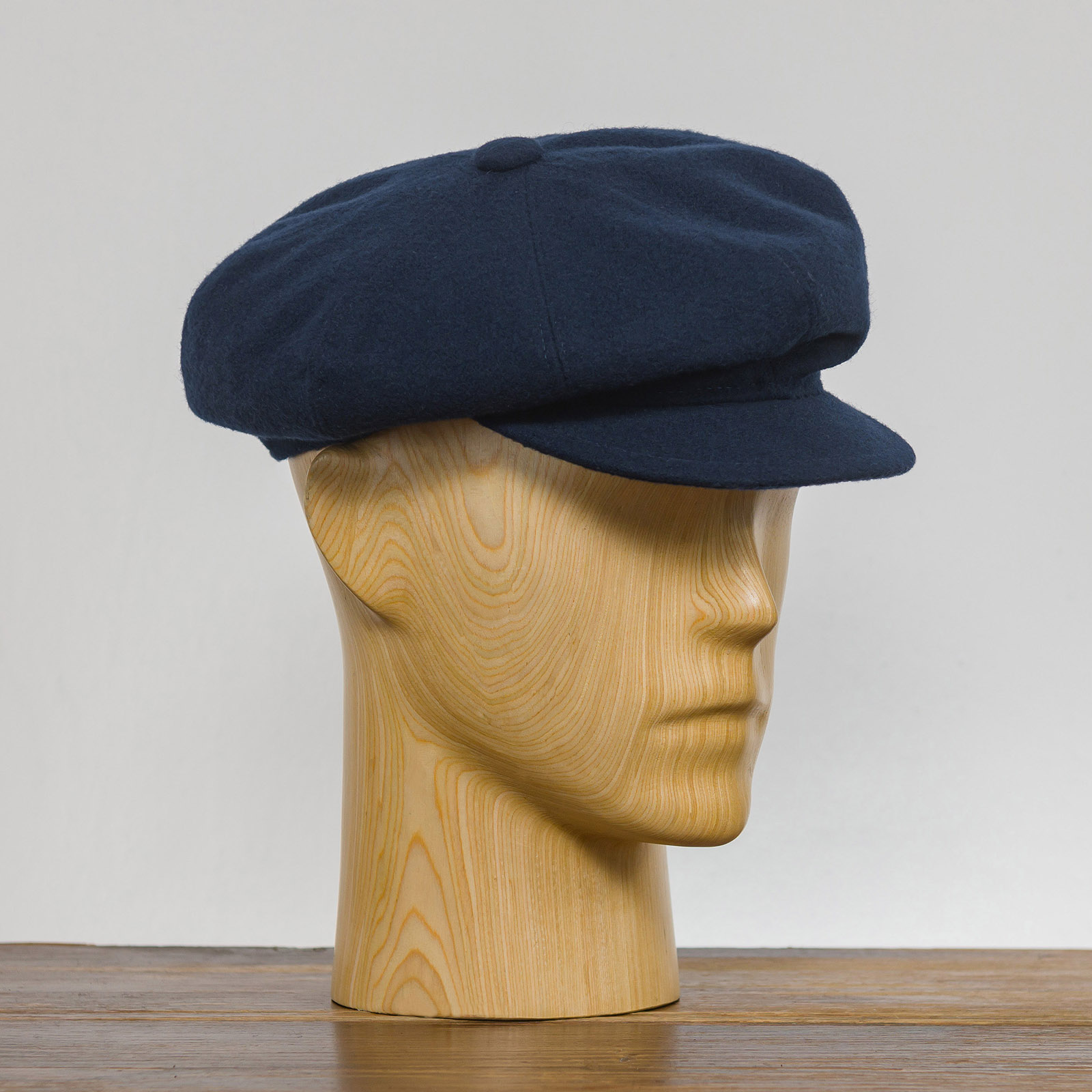 e68c073f0 Newsboy 8 panels cap sewed with woolen cloth - viscose lining