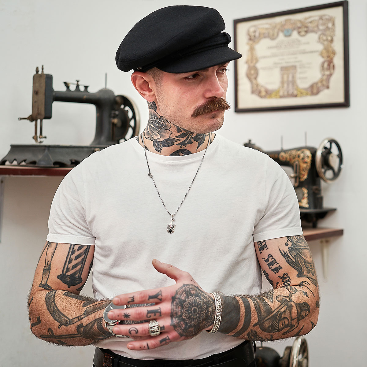 Wool cloth traditional Polish peaked cap fiddler breton greek fisherman cabman taxi driver chimney-sweep railway man hat